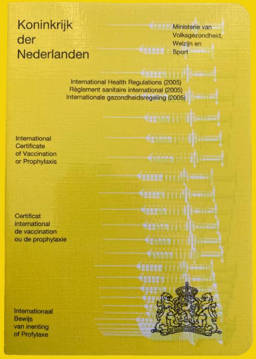 Dankzij het gele vaccinatie boekje kun je weer op vakantie